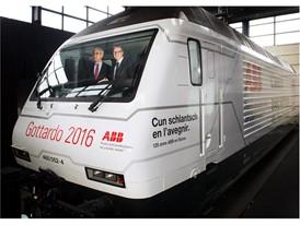 ABB Ulrich Spiesshofer und Andreas Meyer in der ABB-Lok