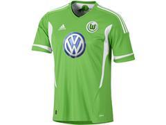 Der VfL Wolfsburg und adidas präsentieren das neue Heimtrikot
