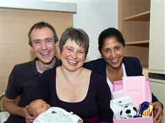 """Exklusives adidas """"Weltmeisterin 2031"""" Starter Kit für 2011 neugeborene Mädchen zur WM"""