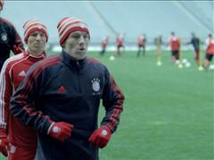 Neue Kampagne für Intersport – adidas lässt Robben gegen sein eigenes Ich antreten