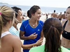 adidas събира всички спортуващи момичета