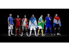 Σπουδαίοι ποδοσφαιριστές σε φωτογραφήσεις από την adidas