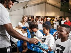 Robert Griffin III Honors His High School with New Cleat & Trainer