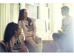 adidas Originals представляет капсульную женскую коллекцию Pastel Roses