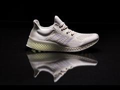 Η adidas σπάει τα κατεστημένα με το πρώτο αθλητικό παπούτσι φτιαγμένο με τεχνολογία 3D printing