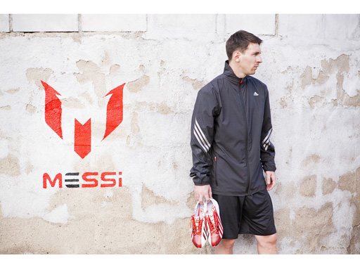 Image : Leo Messi with the new adizero f50 Messi football boots