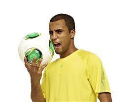 adidas - Lucas με την Επίσημη Μπάλα FIFA Confed. Cup 2013
