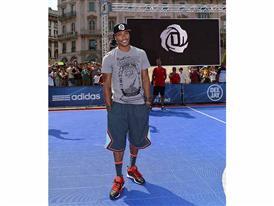 Derrick Rose Piazza Duomo