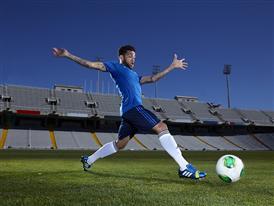 adidas представя новите Nitrocharge на най-големия  футболен турнир за аматьори