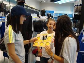 "Учениците в Бургас взеха участие в кампания на adidas ""Отново на училище"""