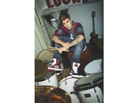 H10131 Justin Bieber 05