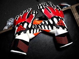 Predator Gloves Pregame PR 1