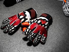 Predator Gloves Pregame PR 3