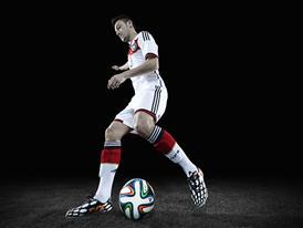 Mesut Ozil 9