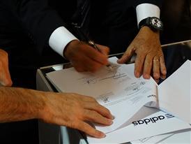 adidas y la Federación Mexicana de Fútbol firman extensión de contrato