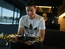 JAMES RODRÍGUEZ PRESENTED WITH ADIDAS GOLDEN BOOT AWARD 12