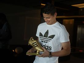 JAMES RODRÍGUEZ PRESENTED WITH ADIDAS GOLDEN BOOT AWARD 16