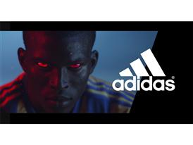 """""""Instinctul preia controlul"""" atunci când Zinedine Zidane intră în Arena Predator."""