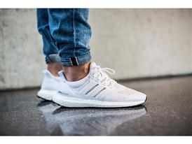 Triple-White Ultra BOOST 4