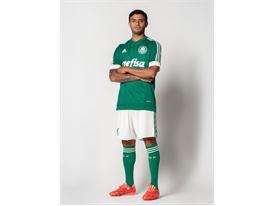 adidas apresenta novo uniforme do Palmeiras