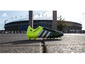 Boots_UCLfinal_Rakitic2