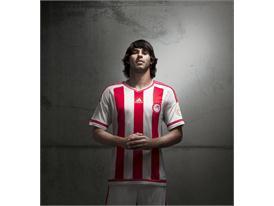 adidas_Olympiacos Home 15-16_Benitez_1