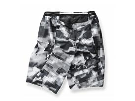 Terrex Endless Mountain Bermudas01