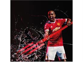 Manchester United 2015/16 Home Kit 16
