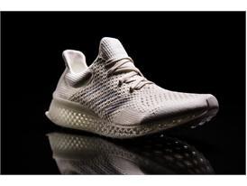 adidas пуска революционни 3D принтирани маратонки за по-добро спортно представяне