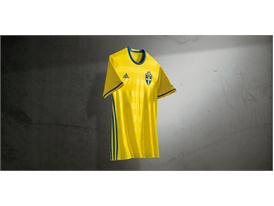Sweden's national team reveals new jersey in the light of deciding playoff game against Denmark 2