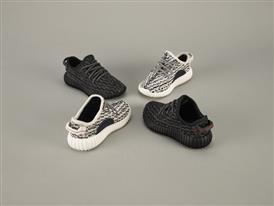 KANYE WEST und adidas Originals veröffentlichen den ersten YEEZY BOOST 350 INFANT