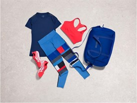Holiday training womens groupproduct outfit4 00016 Concrete