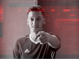 OZIL_NEVERFOLLOW_PR_STILL_23