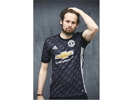 adidas MUFC Daley Blind 3