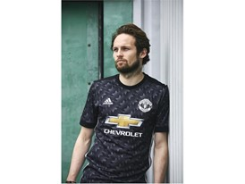 adidas MUFC Daley Blind 2
