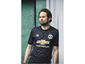 adidas MUFC Daley Blind 2