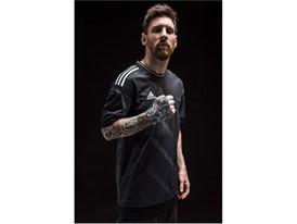FW17 Dust Messi ArmWrap PR 03