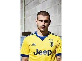 adidas Juventus Sturaro 5