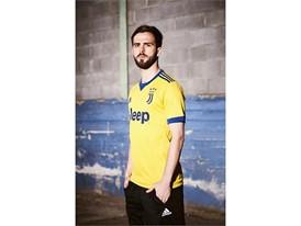 adidas Juventus Pjanic 2