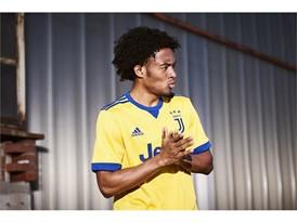 adidas Juventus Cuadrado 1