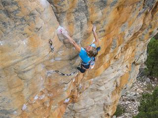 "First female Ascent – Mayan Smith-Gobat sends ""Punks in the Gym"" (8b+/5,14a)"