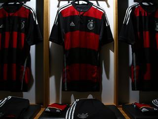 adidas prezentuje wyjazdowe zestawy koszulek swoich reprezentacji na Mistrzostwa Świata w Brazylii