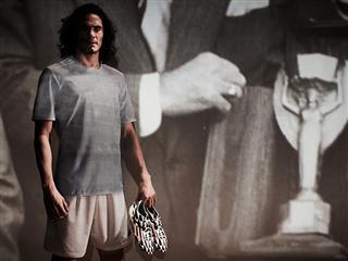 O Cavani είναι έτοιμος να ξαναγράψει ιστορία για τη χώρα του στο FIFA World Cup 2014
