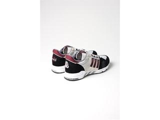 Το adidas Consortium Tour συνεχίζει το ταξίδι του στο Λονδίνο και ξανασυστήνει στο κοινό το EQT των 90s, μέσα από τη νέα γενιά των sneaker lovers