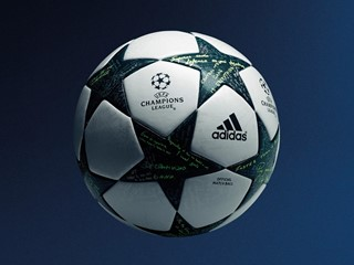 Neuer UEFA Champions League-Ball:   Botschaften von Kroos und Özil