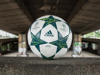 UCL Ball Finale16 3