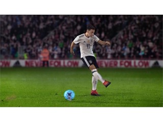 OZIL NEVERFOLLOW PR STILL 5