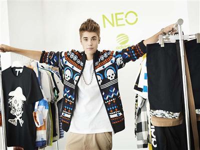 O Justin Bieber γίνεται το νέο style Icon των adidas NEO Label