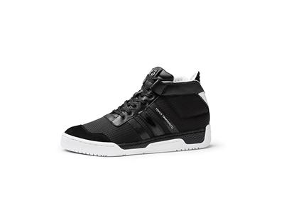 COURTSIDE-1