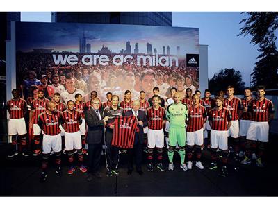 adidas e AC Milan presentano la maglia rossonera per la stagione 2013/14